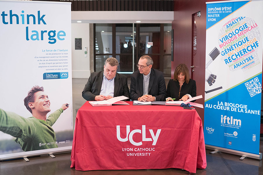 Double compétence : l'iaelyon et l'IFTLM signent un partenariat