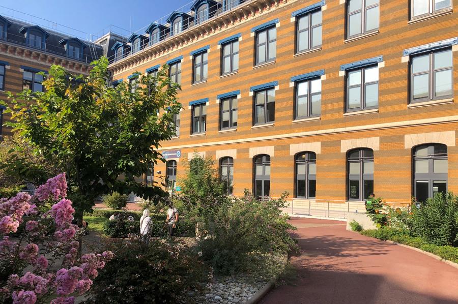 Campus Manufacture des Tabacs, cour Sud